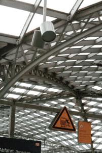 Dach in einem Bahnhof