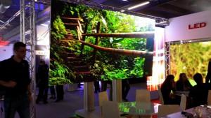 Größte mobile Indoor LED System bei Leyard
