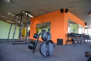 Lautsprecher in einem Fitnessstudio