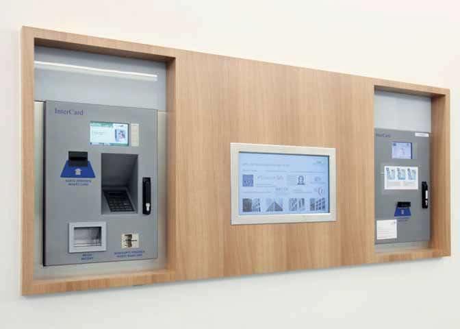 """Die """"Goethe Card"""" lässt sich an auf dem Gelände verteilten Automaten mit Geldgut - haben zur bargeldlosen Zahlung auf dem Campus aufladen."""