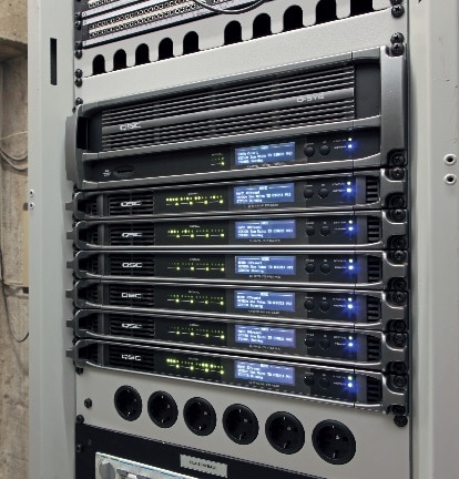 Als digitale Matrix mit umfangreicher DSP-Funktionalität wurde in Mainz eine Q-Sys-Plattform aus dem Hause QSC installiert.