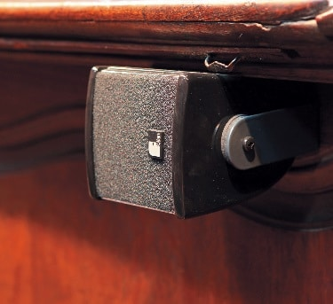 Im Westchor sind würfelförmige Nahfeldlautsprecher des Typs AL-10 aus der Linea AL-Serie von Fohhn installiert.