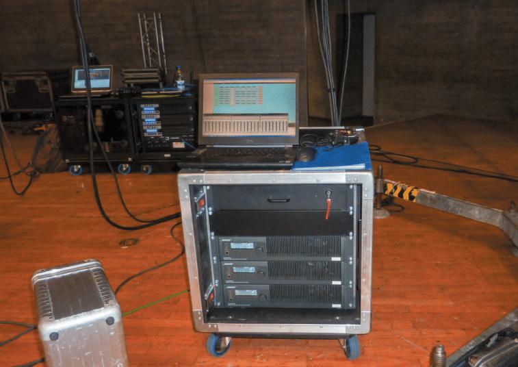 Amp-Rack-von-Bose-mit-PowerMatch-Endstufen
