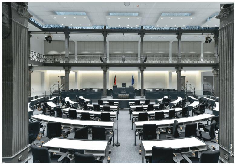 Interims Plenarsaal_01