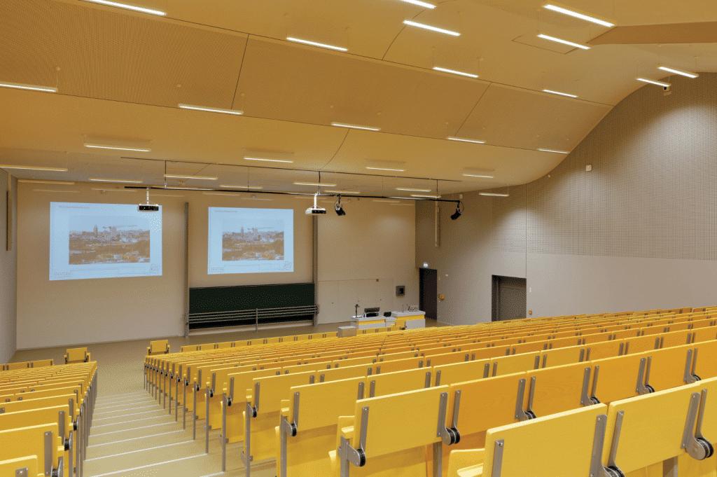 hörsaalzentrum-der-universität-kassel-hörsaal