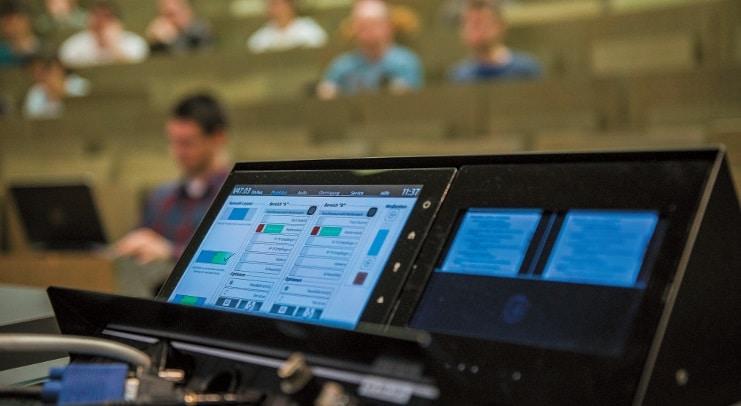 Auch die Erneuerung der AV-Medientechnik in der Universität Stuttgart wurde mit dem Sinus prämiert