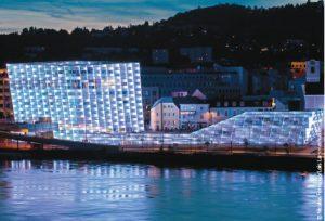Skulpturale Architektur: das Ars Electronica Center in Linz