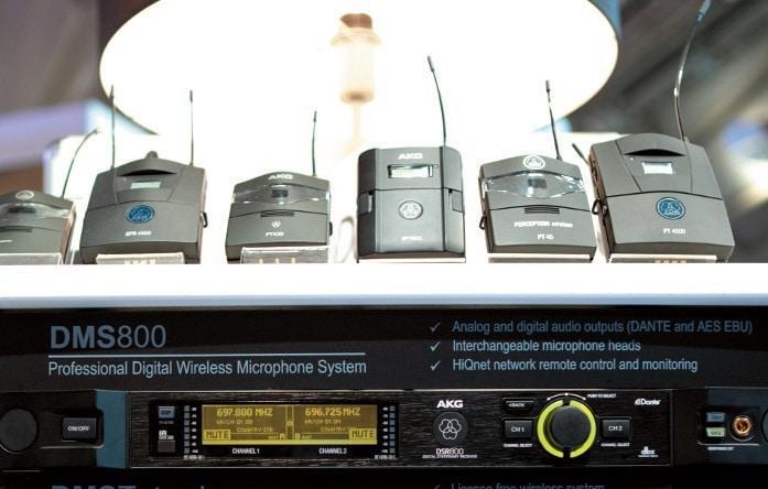 Mit Dante-Schnittstelle: drahtlose Mikrofonanlage DMS 800 von AKG