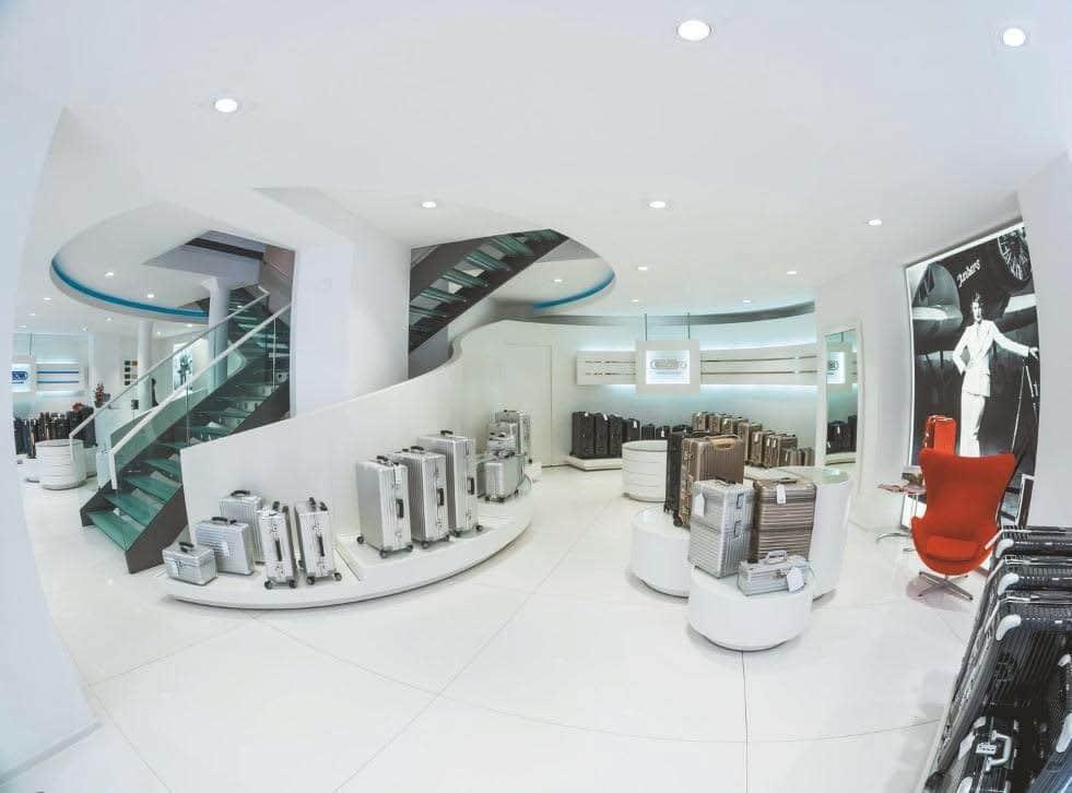 shop beleuchtung im rimowa store professional system. Black Bedroom Furniture Sets. Home Design Ideas