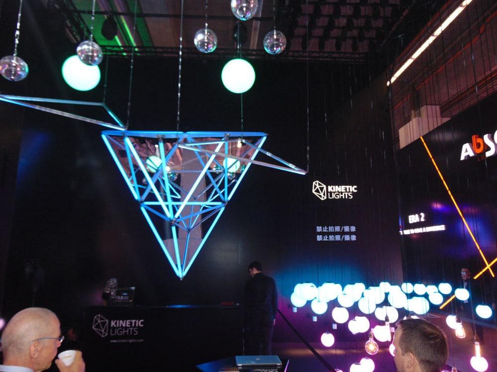 Kinetic lights