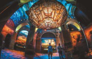 16 Projektoren bespielen die Kuppel des ehemaligen Wasserreservoirs.