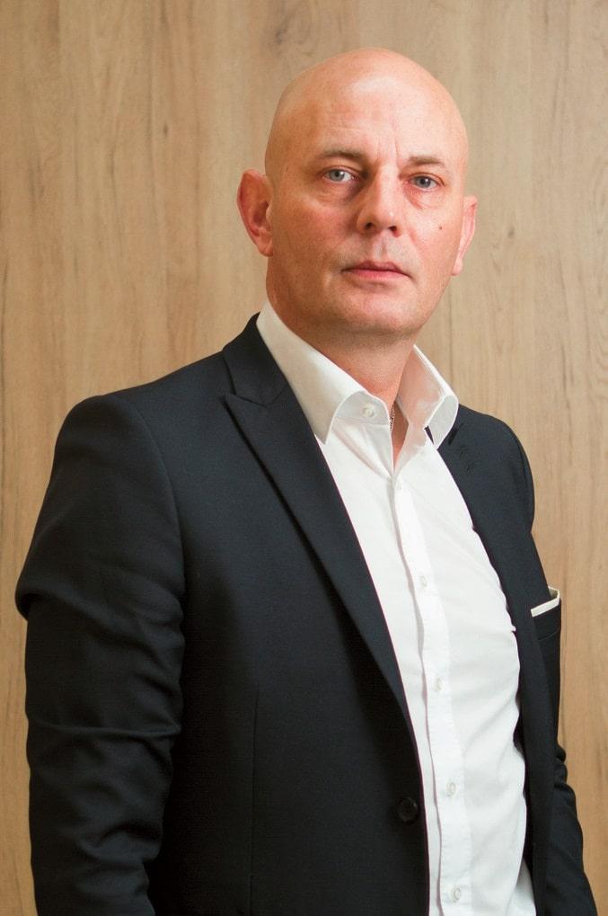 Laut Björn Jensen werden Entscheidungen über medientechnische Projekte zunehmend auf einer strategischen Ebene getroffen.