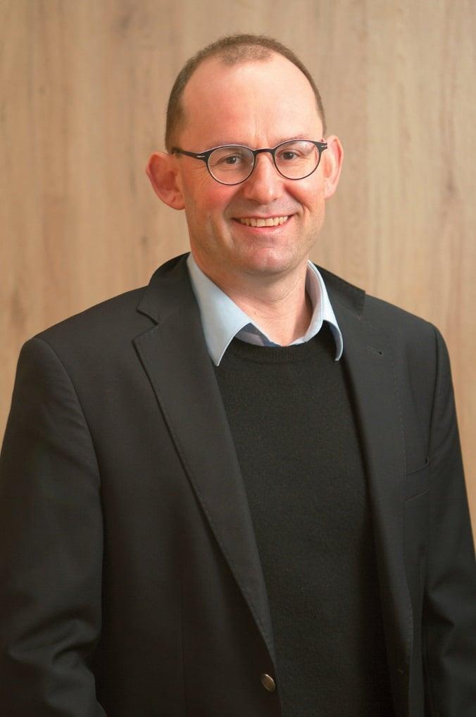 Foto rechts: Thomas Salzer ist Mitbegründer von macom Management Consulting.