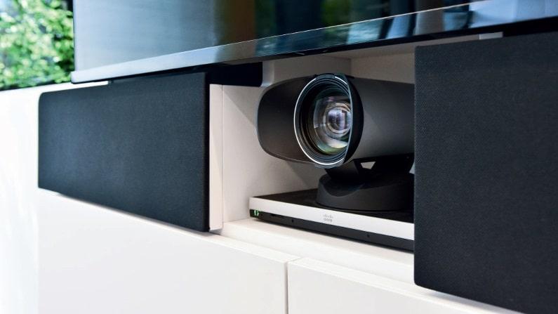 Die Medienstelen W8 sind für die Integration von Videokonferenz- Systemen vorbereitet.