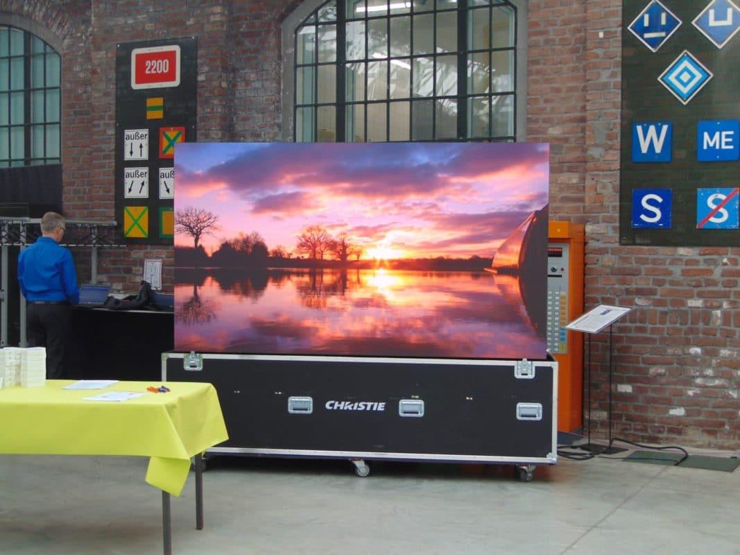 AV-Solution Partner Roadshow 2017: LED-Wand