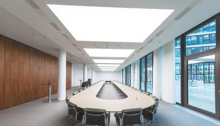 Konferenzsaal in der Kanzlei Flick Gocke Schaumburg