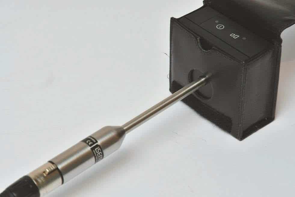 Messmikrofon im Kalibrator