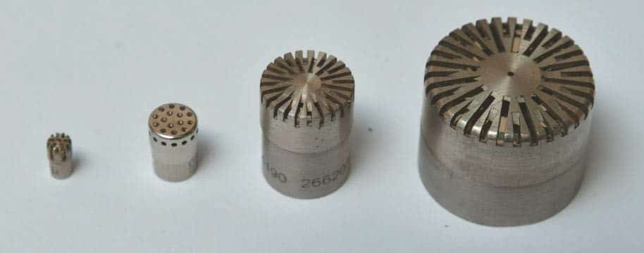 """Mikrofonkapseln in vier Standardgrößen mit 1/8"""", 1/4"""", 1/2"""" und 1"""" Durchmesser"""