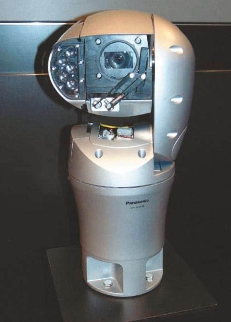 IP67 zertifizierte WV-SUD638 Aero PTZ Kamera mit 30-fach optischem Zoom und 360° Betrachtungswinkel