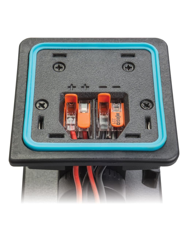 3. Komfortable Anschlüsse Hebelanschlussklemmen für Ein- und Ausgänge. Geeignet für Kabel bis zu einem Durchmesser von 4 mm2. Ideal für die parallele Schaltung mehrerer Lautsprecher.