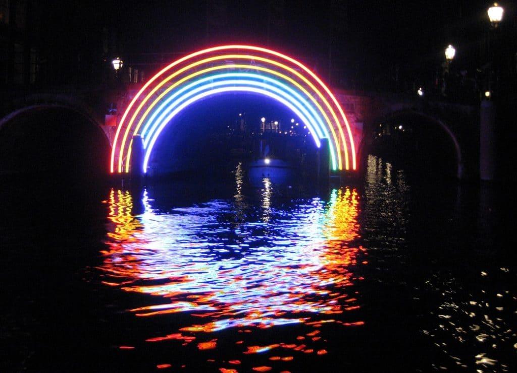 """Das Amsterdam Light Festival bildet den Rahmen für den """"World Masters of Projection Mapping"""" Wettbewerb… Foto: Wikipedia/Marion Goldsteijn"""