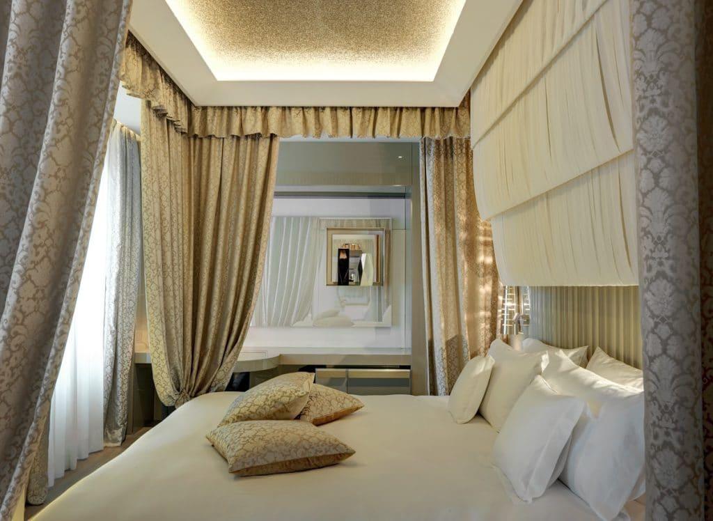 Die Beleuchtung der Zimmer und Suiten in Hotels ist meist sehr abwechslungsreich, individuell und vielschichtig