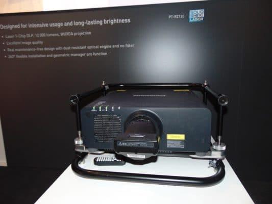 Panasonic neuer 12TL Projektor