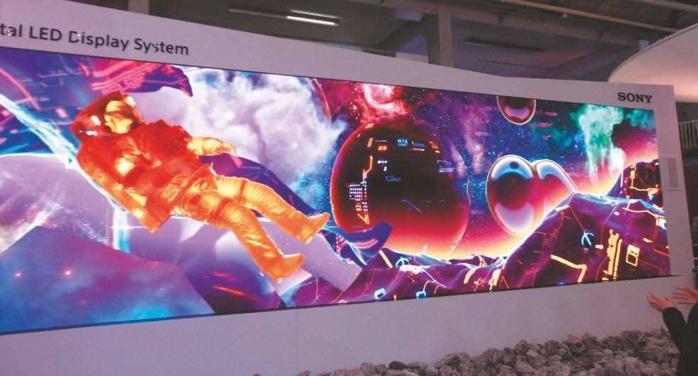 8K x 2K große LED-Wand von Sony