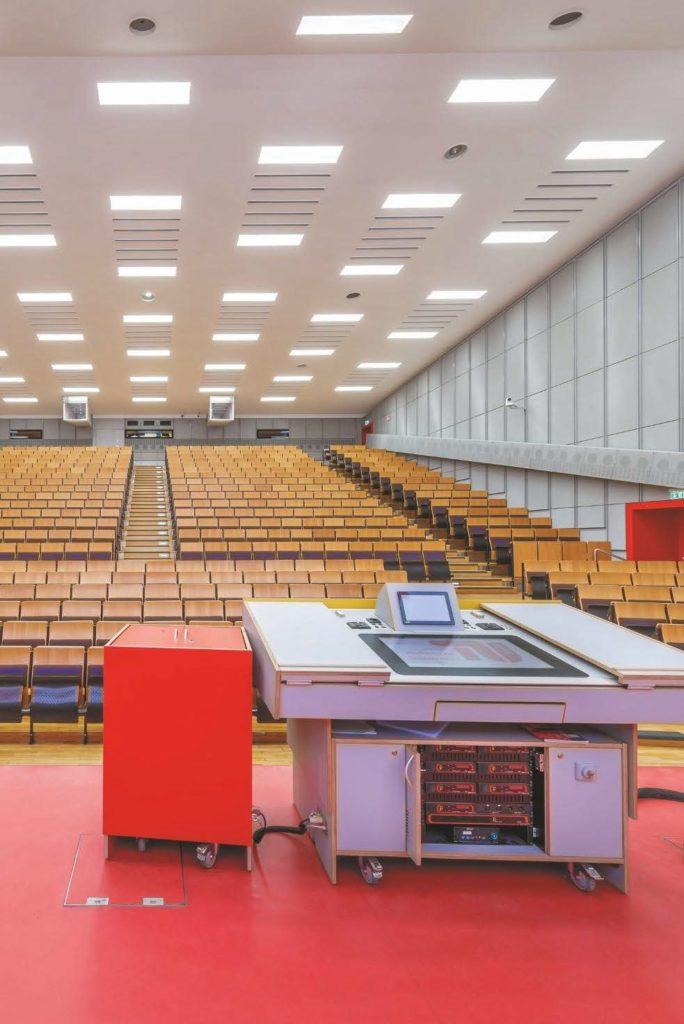 Blick vom Podium in Hörsaal H 0104