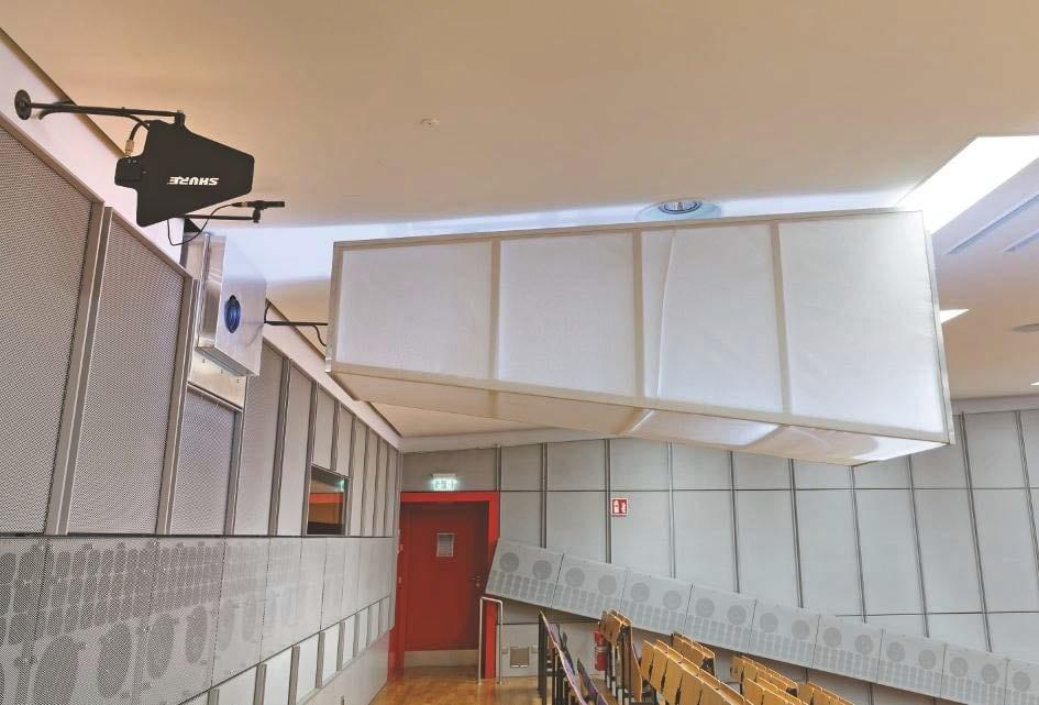 In Hörsaal H 0104 kommen trichterförmige, mit Textilbespannungen überzogene Rahmen (Tuben) zum Einsatz