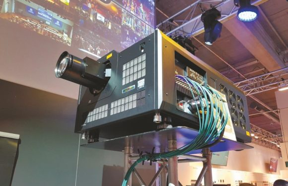8K 3-Chip-DLP Laser-Phosphor-Projektor Insight Laser 8K von Digital Projection auf der Prolight + Sound 2018 – Foto: Sven Schuhen