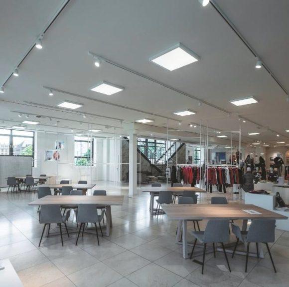 LED-Panels und 3-Phasen- Stromschienenstrahler