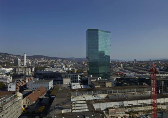 Auf Basis der individuellen Anforderungen hat Bosch für den Prime Tower eine maßgeschneiderte Sicherheits-Lösung realisiert.