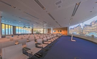 Munich Re: Medientechnik im Saal Europe