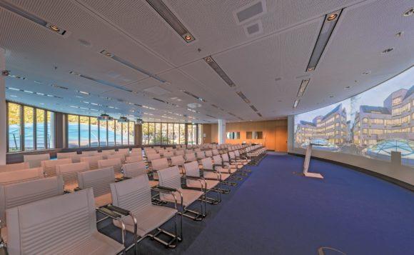 Munich Re: Medientechnik im Saal Europe
