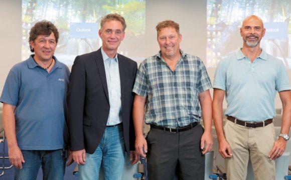 Michael Hermann (BPSG), Florian Blöchl (Münchener Rück), Lutz Wagner (Datavision) und Bernd Wanke (Panasonic)