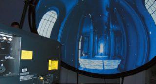 Kuppelprojektion mit Projektor RQ13K Panasonic-Roadshow