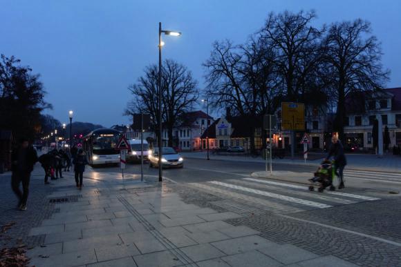 Fußgängerüberweg des neu gestalteten Alexandrinenplatz in Bad Doberan
