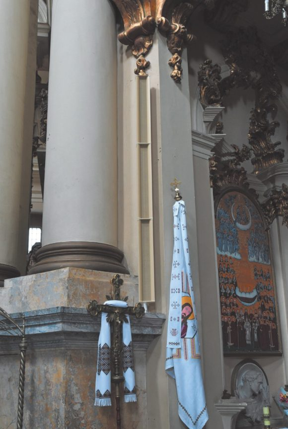 DSP Zeilen beschallen die Lemberger Dominikaner Kathedrale