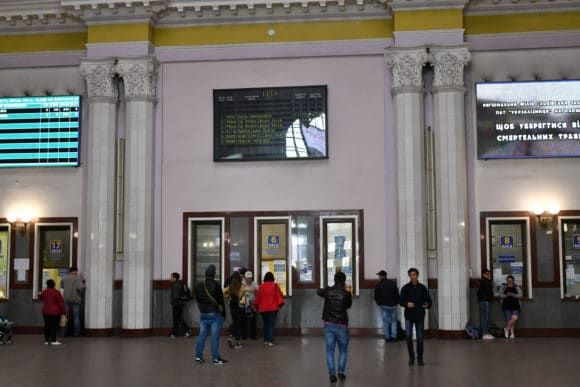 Zeilenlautsprecher in der Empfangshalle des Hauptbahnhofs