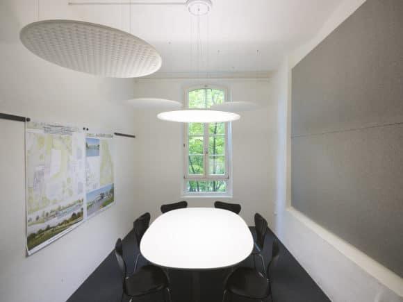 Besprechungsraum mit Lighting Pad von Nimbus