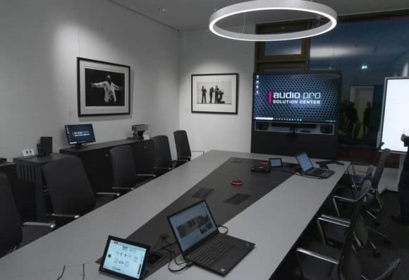 Conference Space mit vernetzter AV-Technik