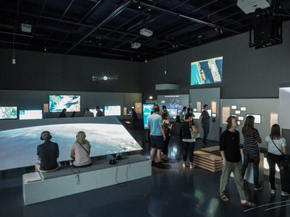 "Ausstellungsbereich ""Global Shift"" des Ars Electronica Centers (AEC)"