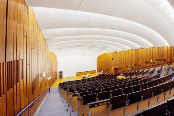 Eines der Hochschulprojekte von Thomann Audio Professionell: die Modernisierung der Medientechnik in der Universität Stuttgart