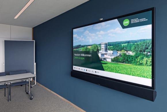 NEC Bildschirm im Seminarraum