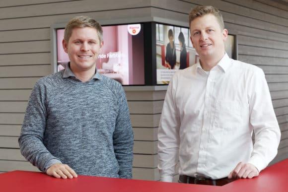 Lars Panzer (links) und Matthias Frank im Foyer des DAW Neubaus