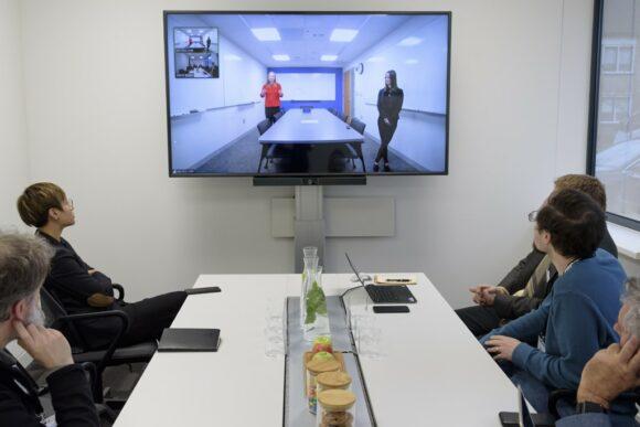 Demonstration einer Videokonferenz