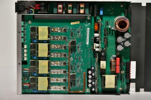 Innenansicht des achtkanaligen Modells XPA U 358