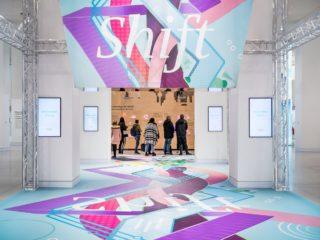 Die interaktive Ausstellung im Drive. Volkswagen Group Forum in Berlin.