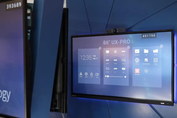 Clevertouch Display